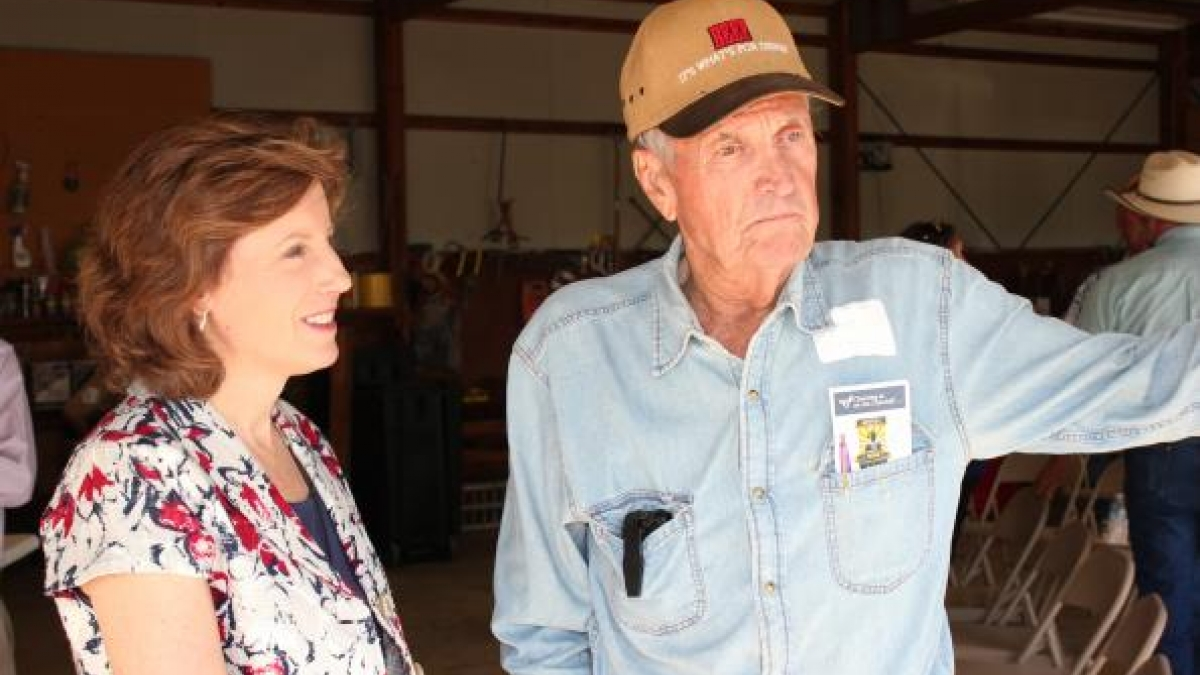 Congresswoman Vicky Hartzler discusses agriculture issues with a Missouri farmer